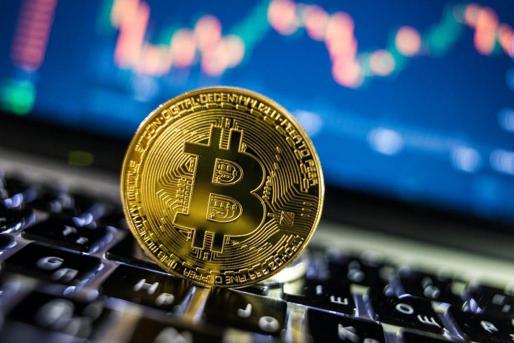 kako investirati s bitcoinima uložite novu kriptovalutu